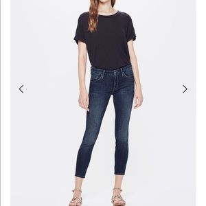 The Looker Crop is MOTHER's classic skinny jean 25